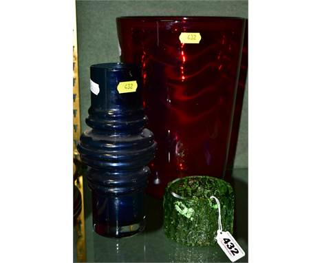 THREE PIECES OF 20TH CENTURY STUDIO GLASS, to include a Whitefriars ruby tumbler vase, height approximately 25cm, a Whitefria