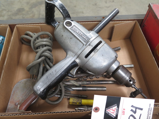 Lot 24 - Black & Decker Electric Drill