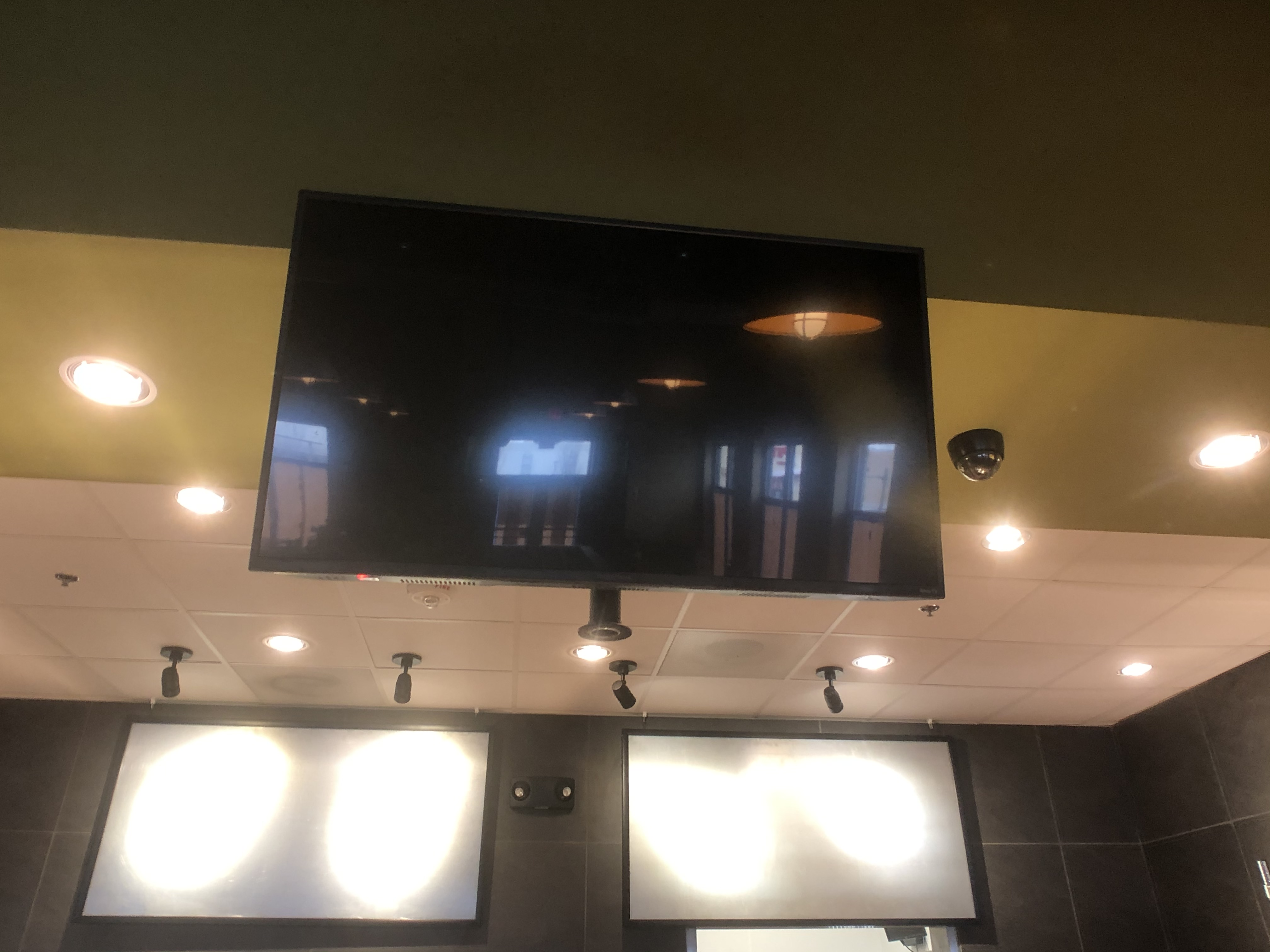 """Insignia / Roku TV, Model NS-43DR620NA, Approx. 42"""", with Chief Wall Mount"""