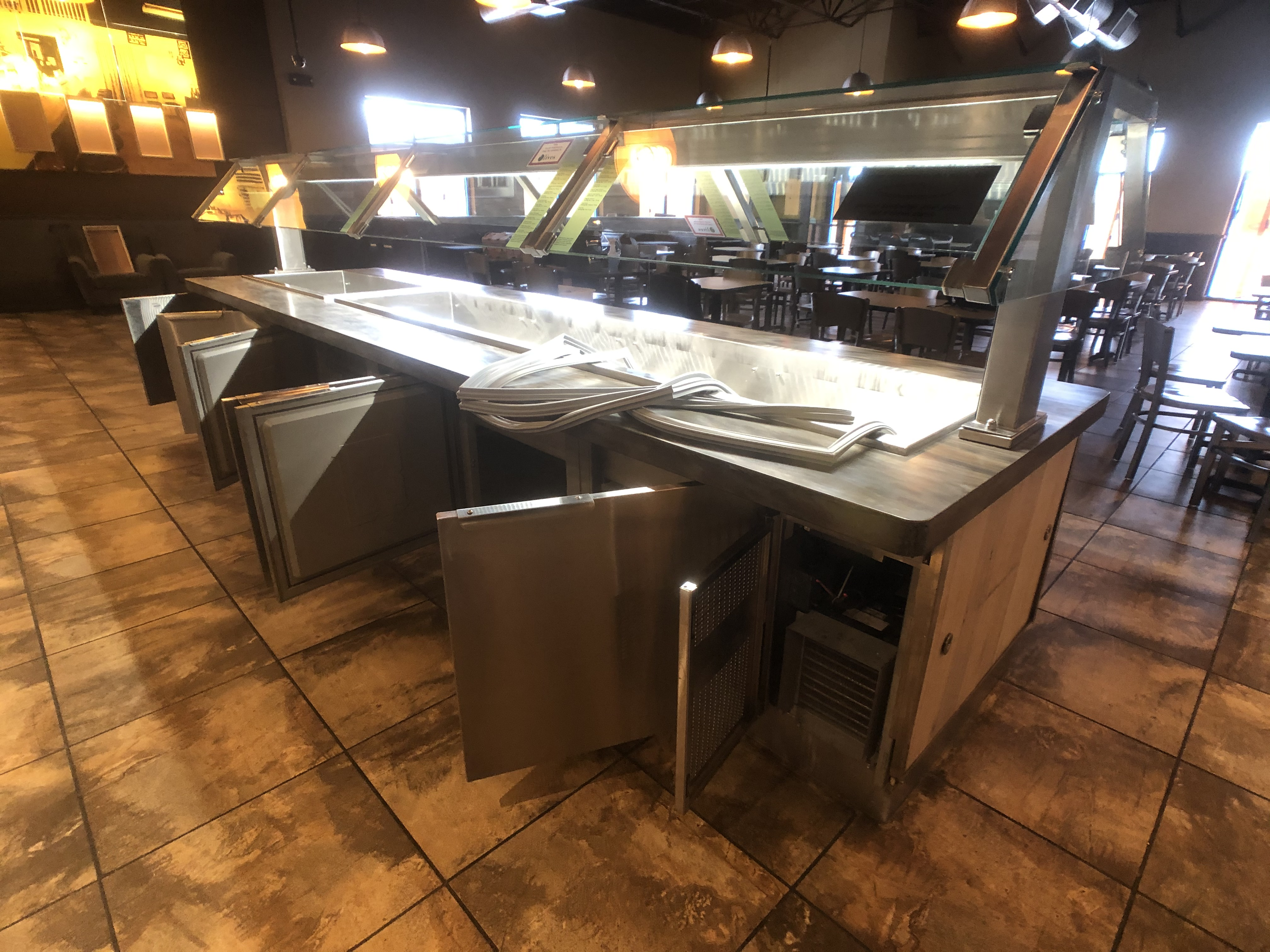 Randell Approx. 15' L x 4' W Refrigerated Buffet Table with Overhead Light, Work-Top Refrigerator - Image 3 of 6