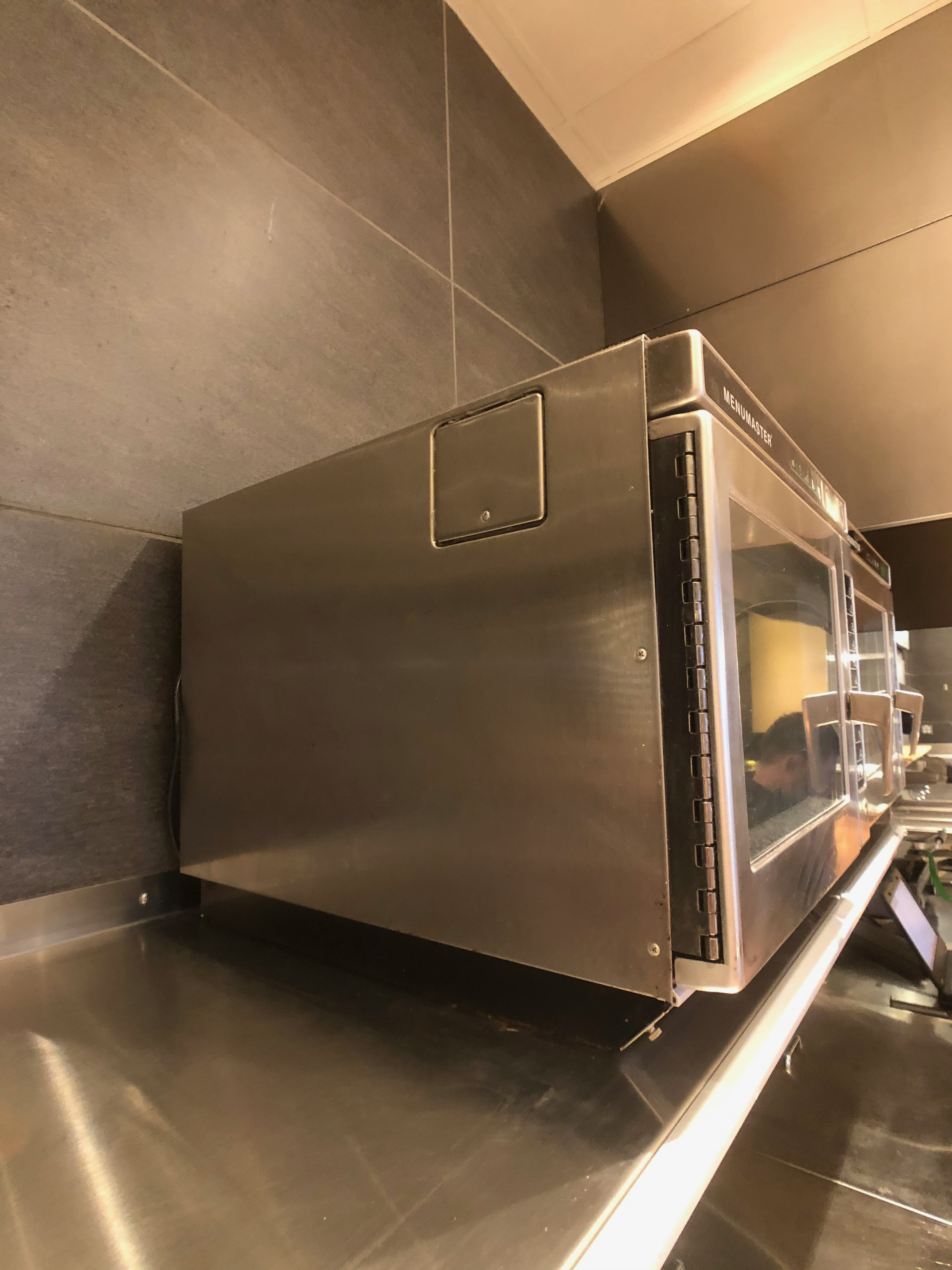 Menumaster Commercial Microwave, Model MRC22S2, 1 CuFt Interior Space, 2200 Power Output - Image 3 of 5