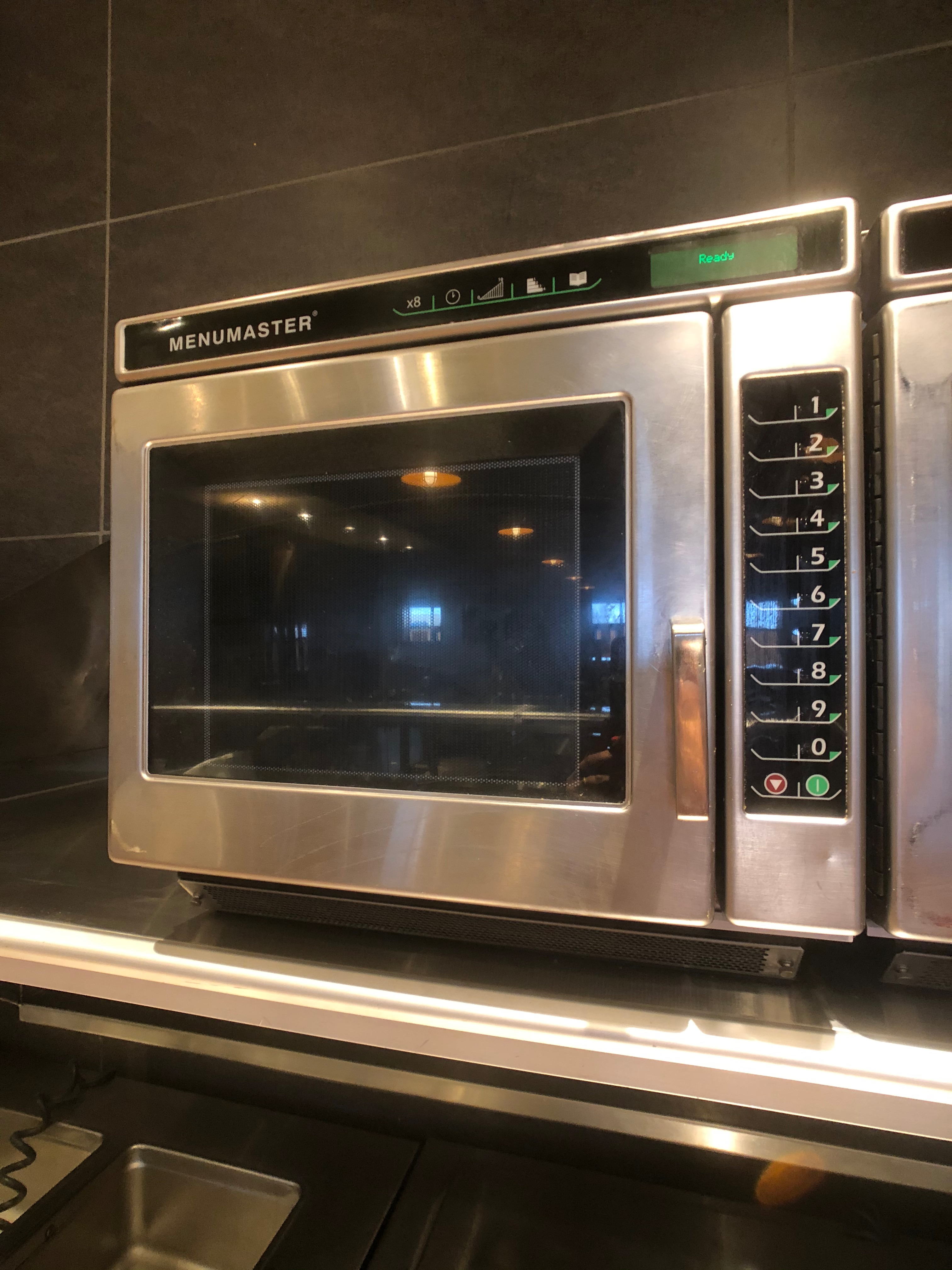 Menumaster Commercial Microwave, Model MRC22S2, 1 CuFt Interior Space, 2200 Power Output - Image 2 of 5
