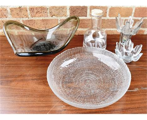 A MIXED COLLECTION OF GLASSWARE  including a Per Lutken Holmegaard glass centrepiece bowl, Iitala glass dish etc.