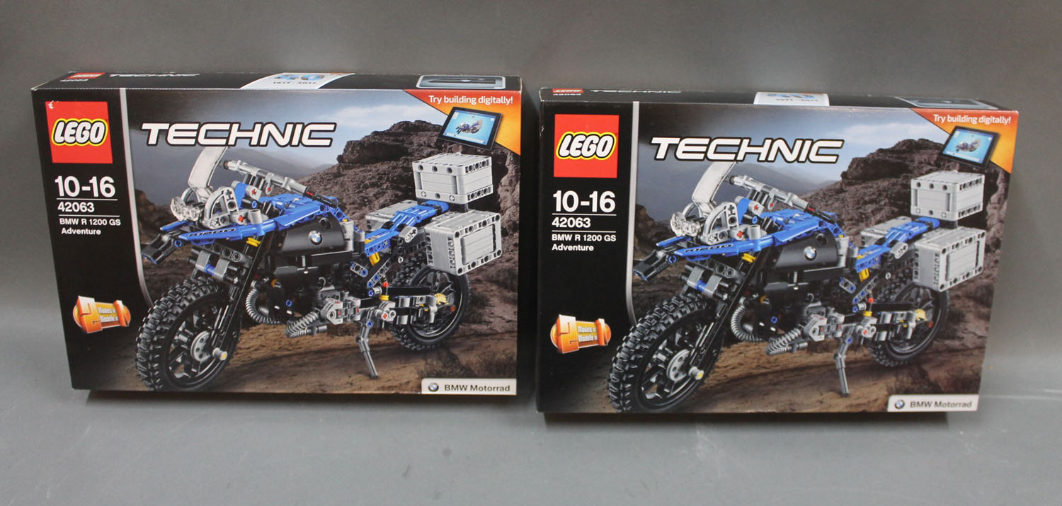 2 Boxed Lego Technic Sets Bmw R 1200 Gs Adventure 42063