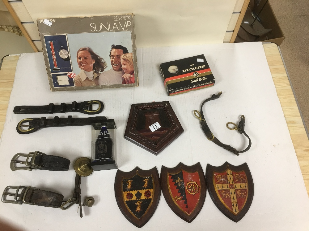 Lot 11 - VINTAGE RETRO ITEMS INCLUDING SELECTOR SUNLAMP AND OLDSPICE JUBILEE 1977