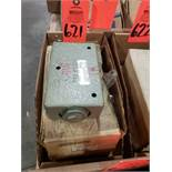 Qty 2 - Prince hydraulic valve model RD-1475. New in box.