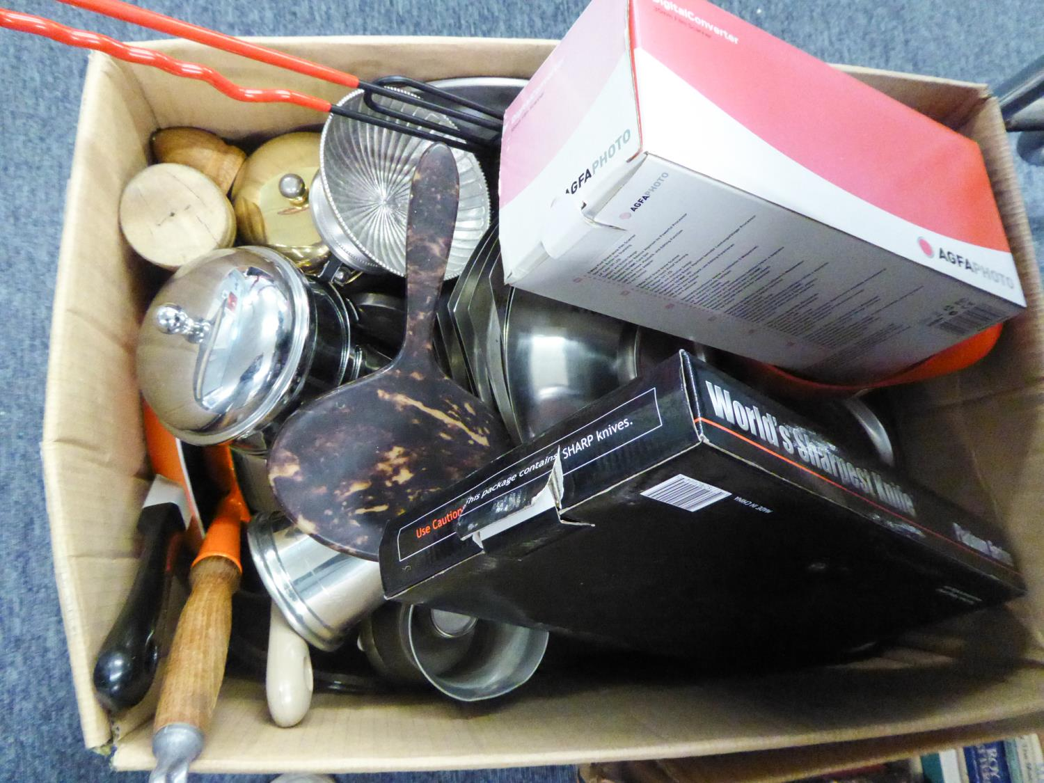 Lot 417 - ONE BOX OF KITCHEN WARES TO INCLUDE; PANS, CUTLERY ETC.....