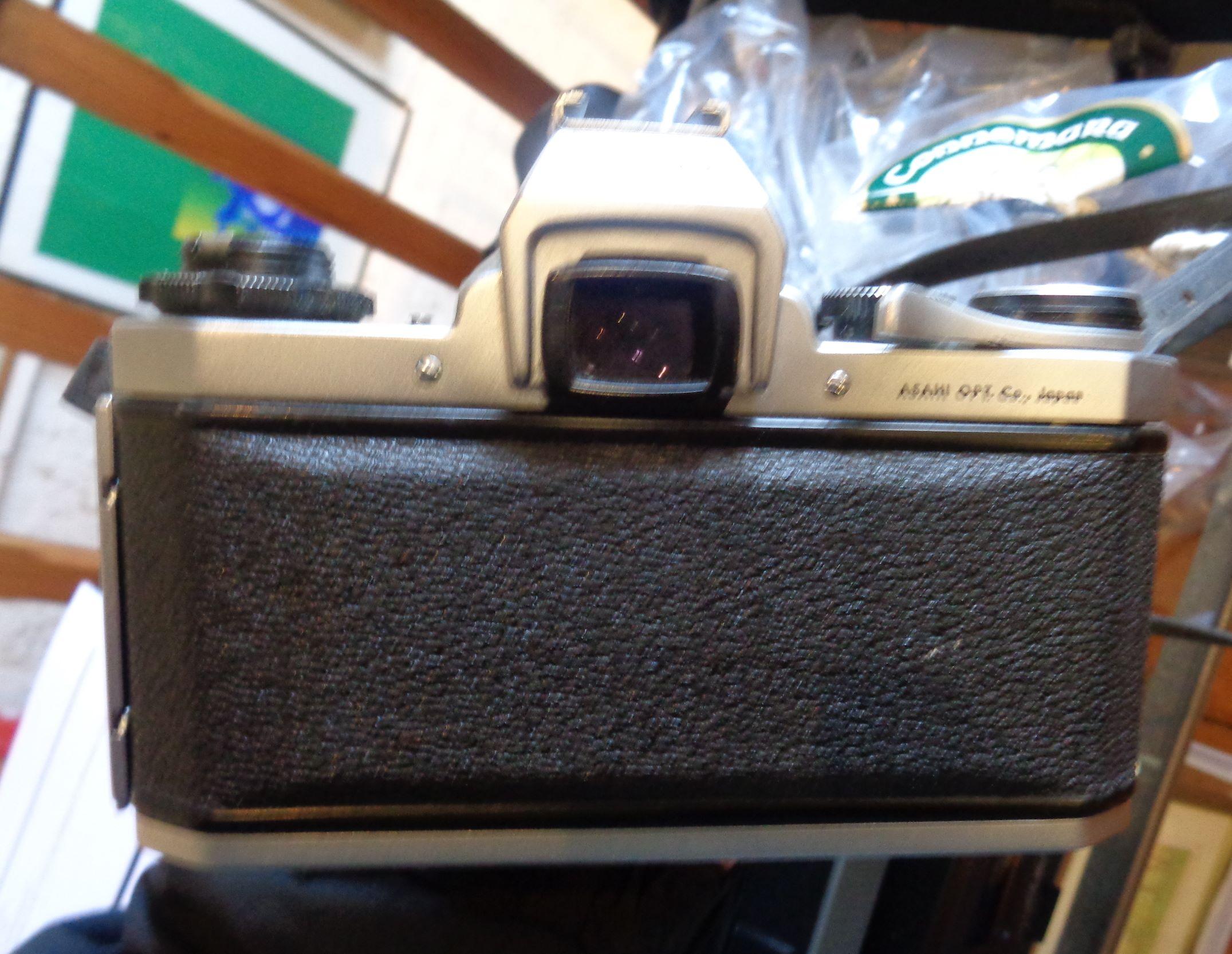 Lot 3 - Pentax SV camera no.879597, a lens and an Olympus PEN-D camera