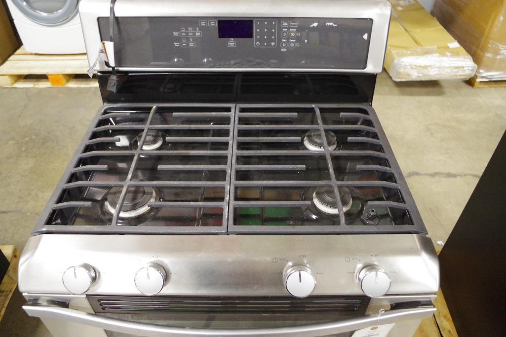 Lot 1015 - WHIRLPOOL 6.0 Total cu. Ft. Double Oven Gas Range w/ AccuBake System M/N WGG555SOBS (Must Preview)