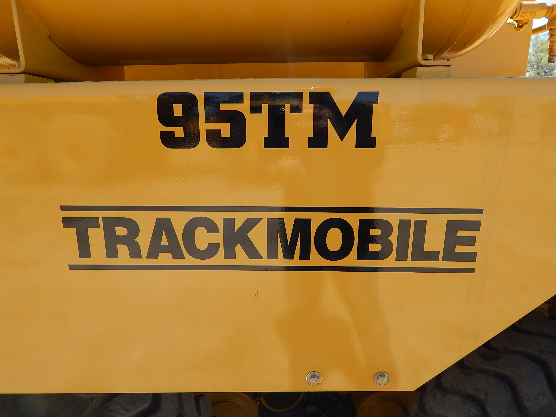 Lot 34 - Trackmobile Model 95TM Railcar Mover, s/n LGN 960961289, 3-Speed Automatic Transmission, 27 in