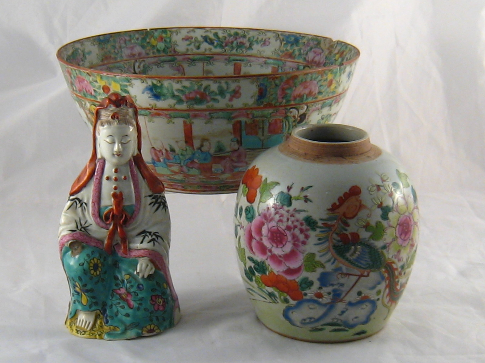 Lot 354 - A Chinese ginger jar overglaze painted, ht 16cm.
