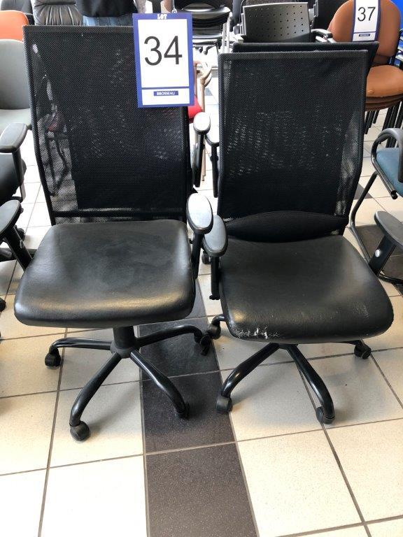 Lot 34 - Lot: 4 fauteuils en tissu tressé sur roues