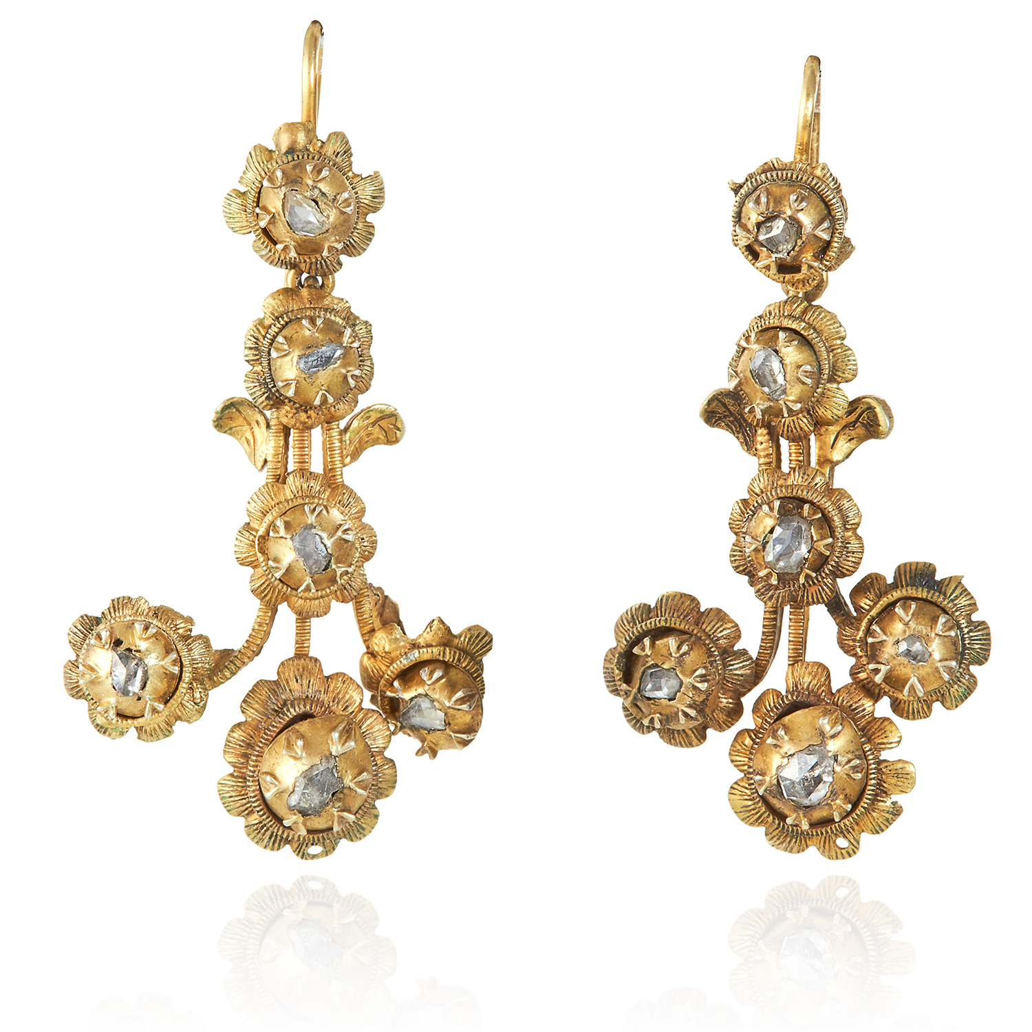 Los 356 - A PAIR OF ANTIQUE DIAMOND EARRINGS, 19TH CENTURY in high carat yellow gold, the fleur-de-lys style