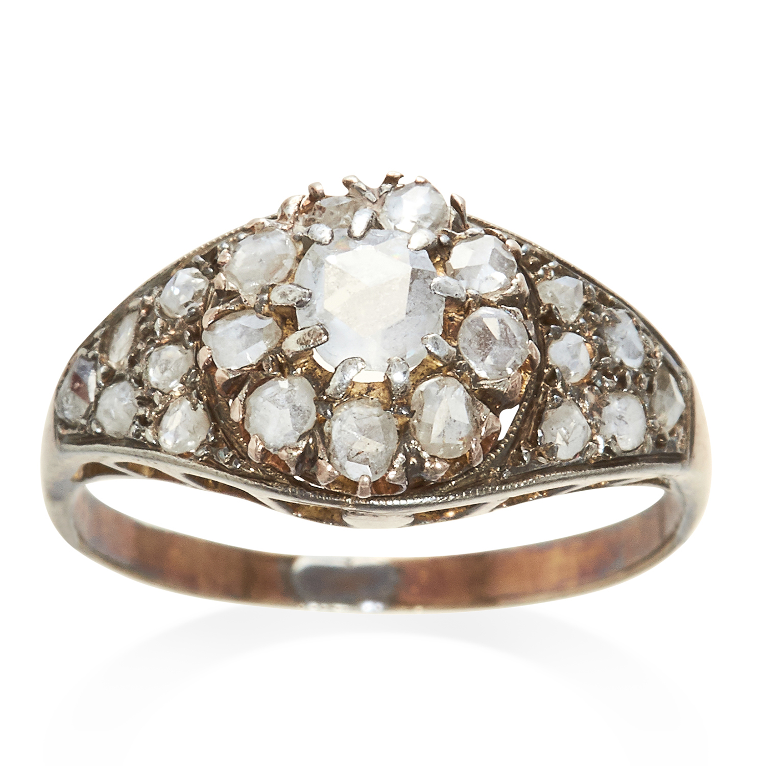Los 359 - AN ANTIQUE DIAMOND CLUSTER RING in yellow gold, set with rose cut diamonds, unmarked, size N / 7,