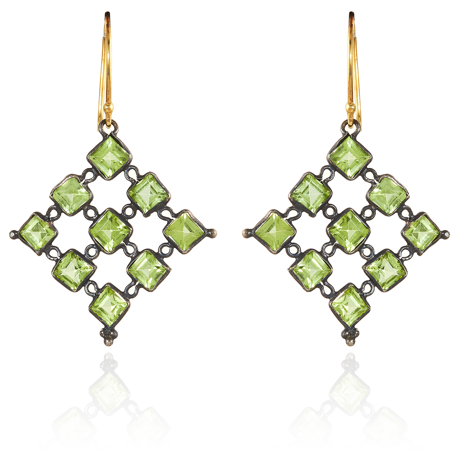 Los 330 - A PAIR OF PERIDOT EARRINGS in gold and silver of openwork design, unmarked, 4.5cm, 3.05g.