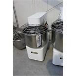 Spiral dough mixer 25kg capacity 88.0kg / hr 40cm bowl 775mm x 735mm x 805mm