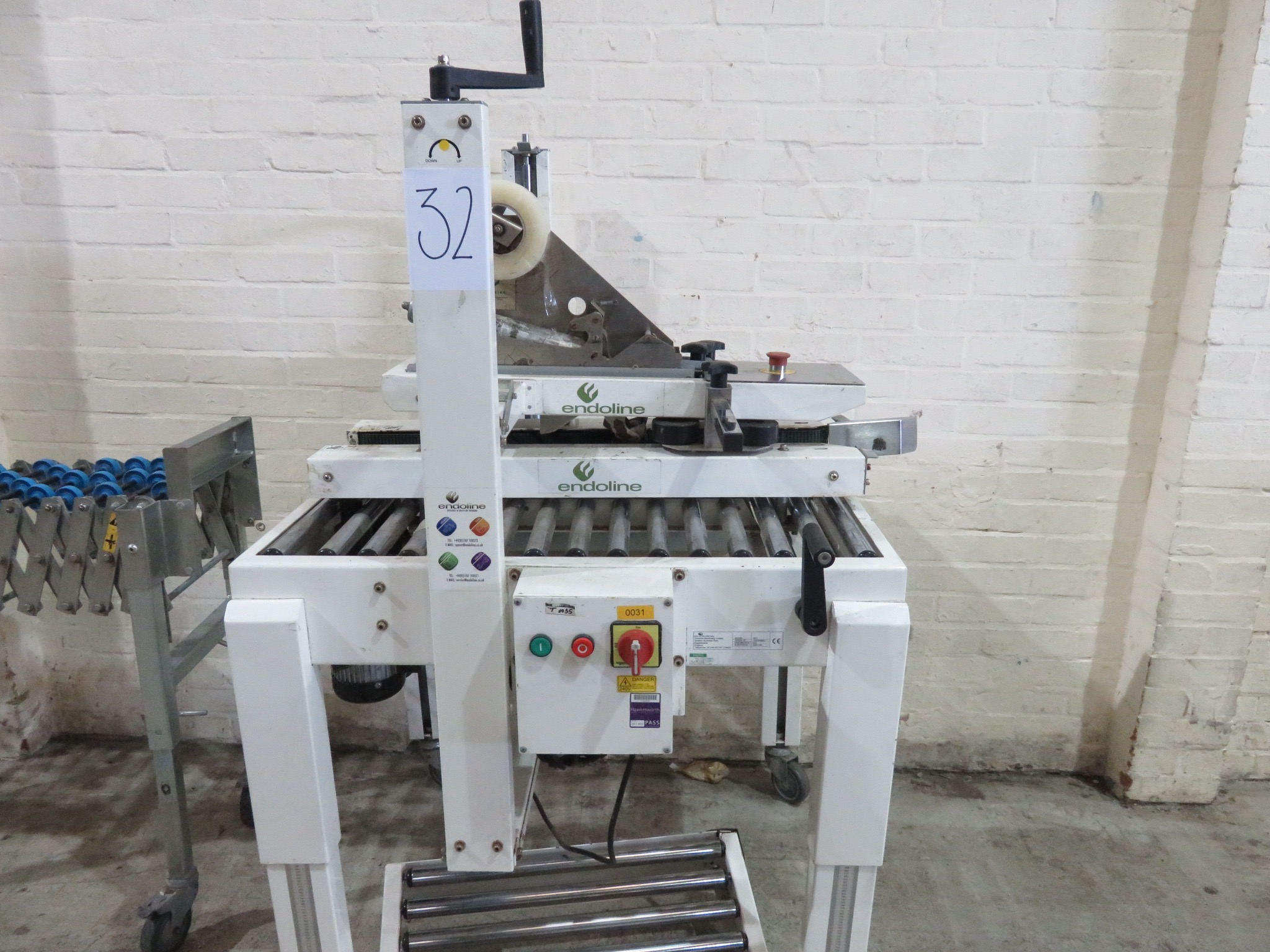 Lot 32 - Case Tapper by Endoline. Model SPT. Top & Bottom taping LIFT OUT £10