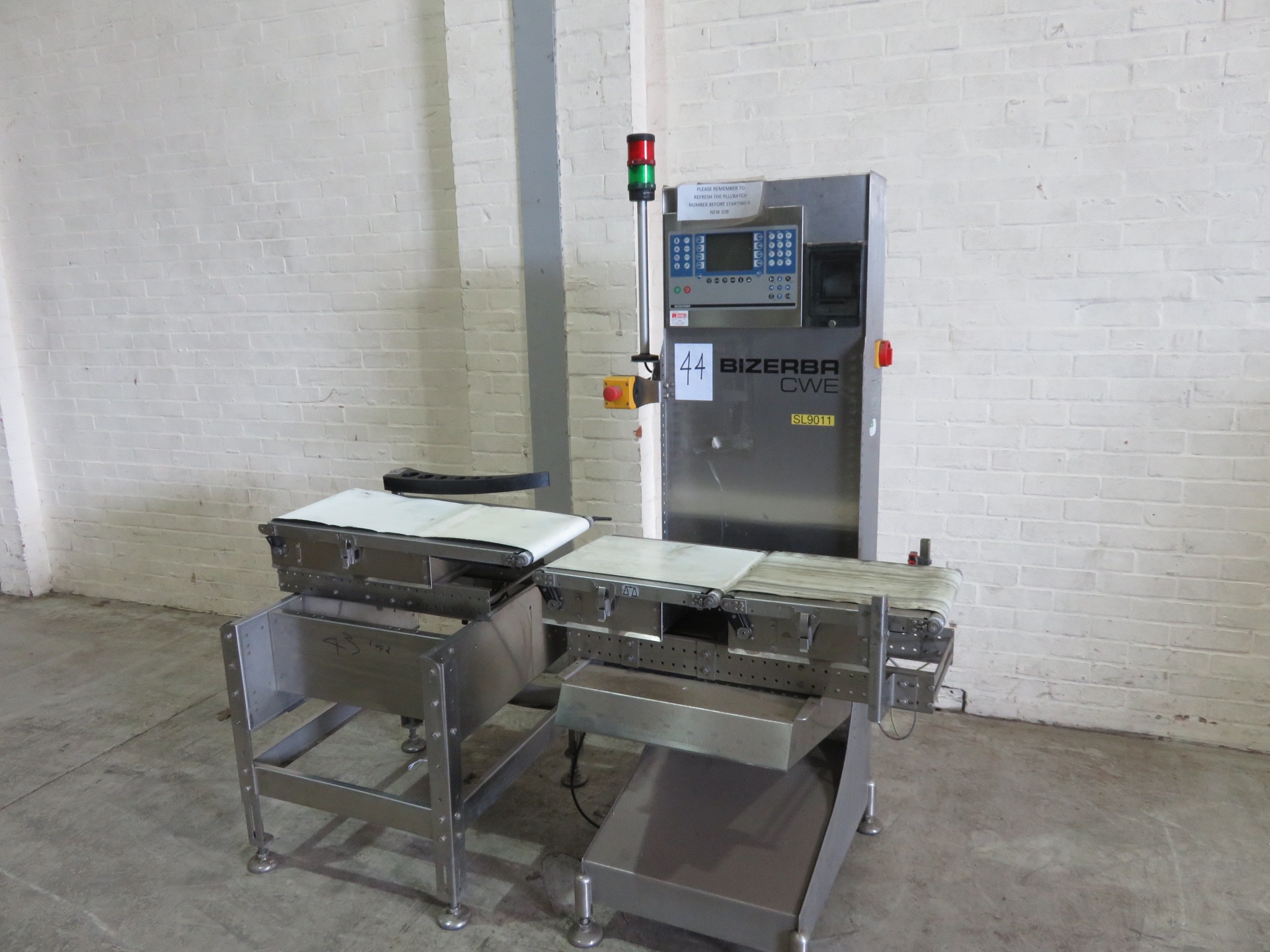 Lot 44 - Bizerba CWE Check Weigher. Platform 420 long x 300 wide. With printer. Push arm reject LIFT OUT £10