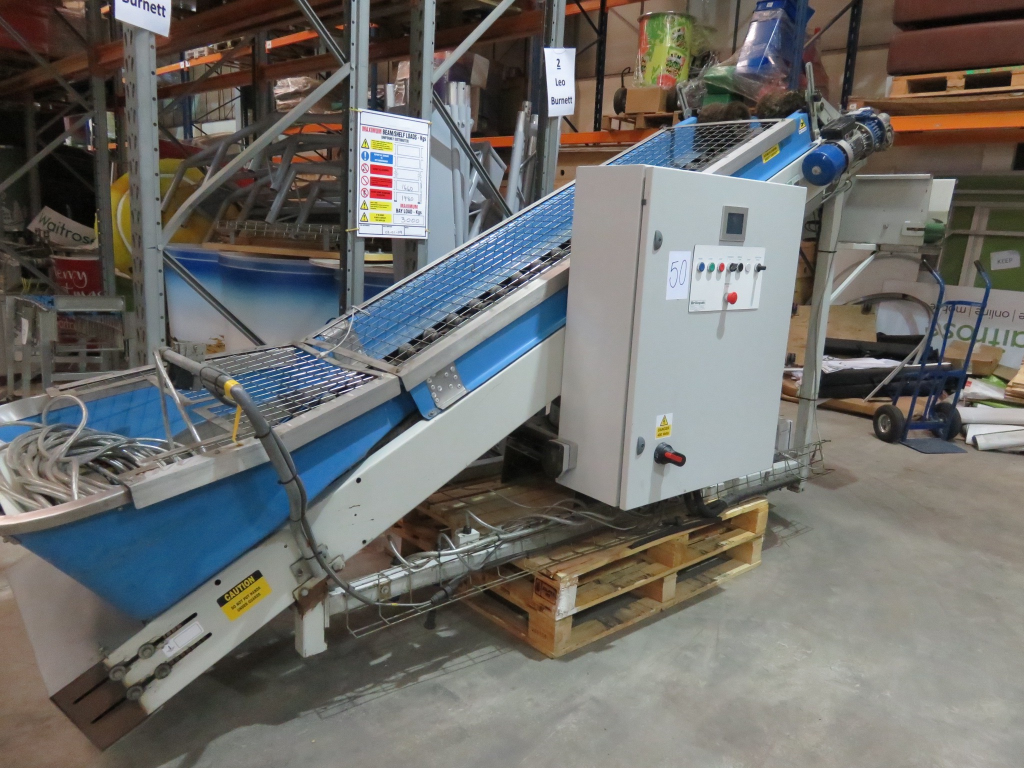 Lot 50 - Sorma incline Conveyor. Model CL2104 Indeed 800mm high. Tipping height 1800mm.LIFT OUT £20