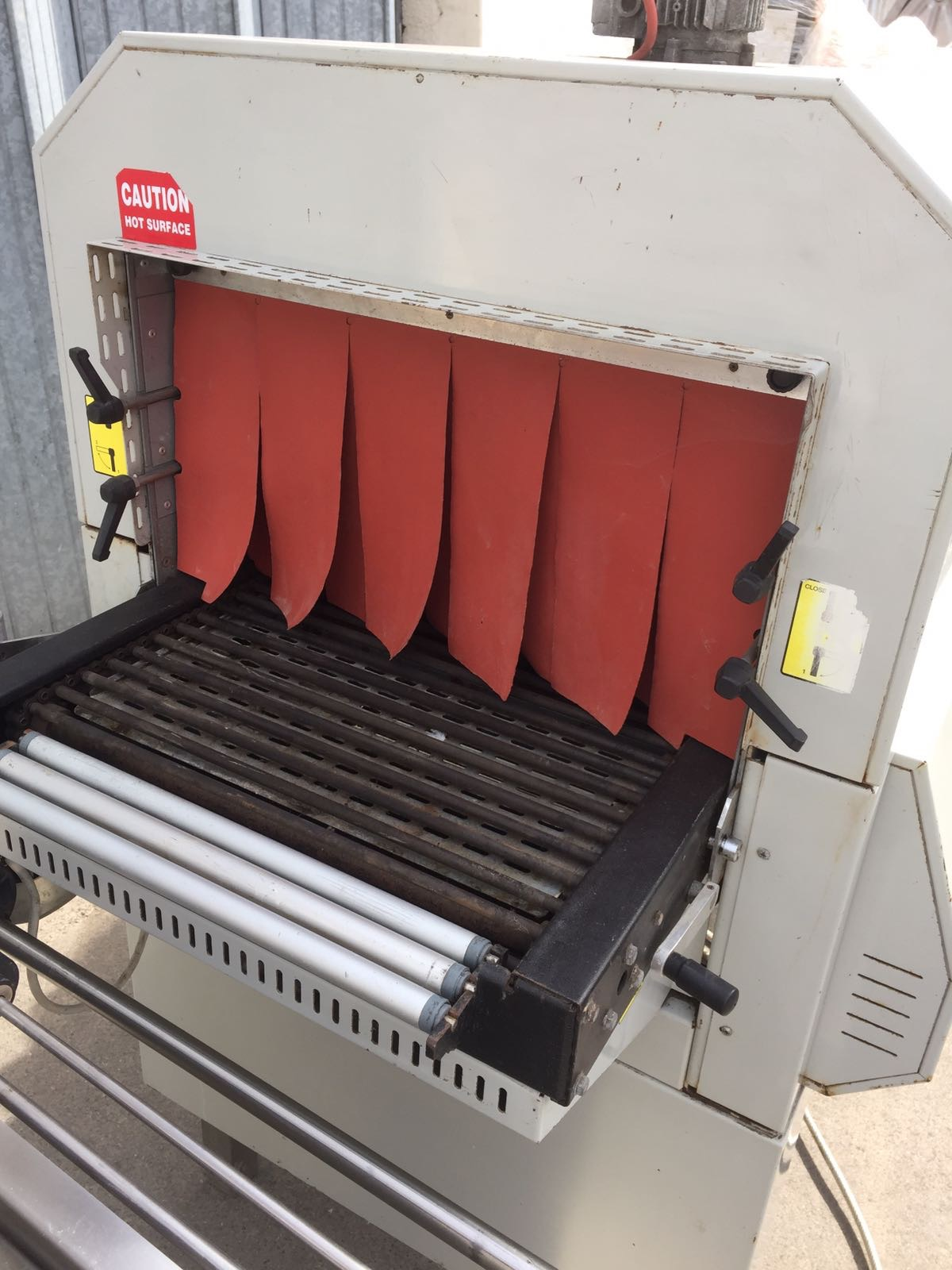 Lot 21 - Adpak Heat Shrink Tunnel. Aperture 440 x 250mm high. Overall length 1300 x 800mm wideLIFT OUT £10
