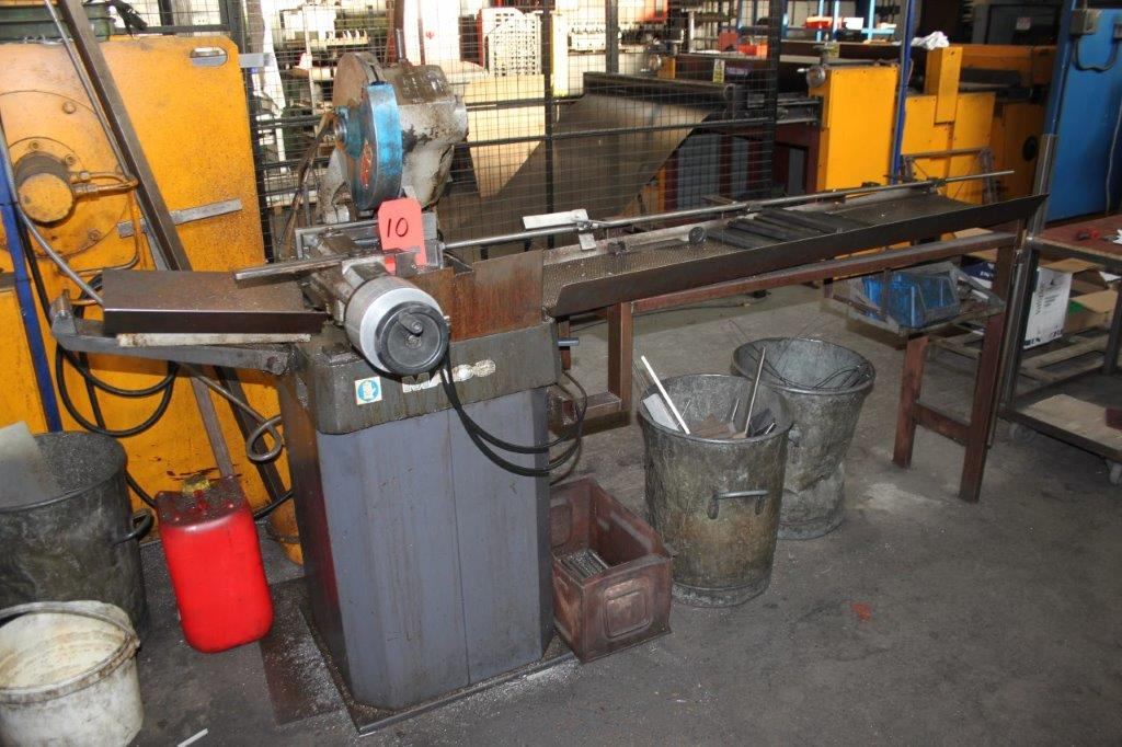 Lot 10 - MACC NEW 315DV CUT OFF SAW C/W PNEUMATIC VICE AND OUTFEED TABLE