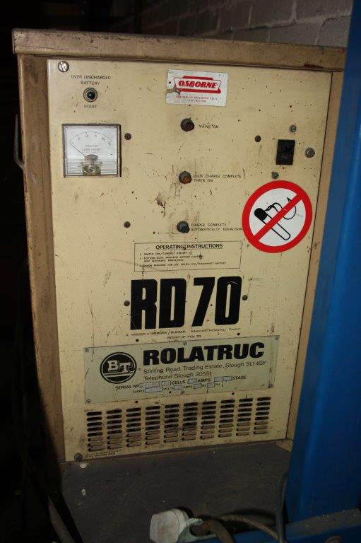 Lot 26 - ROLATRUC 2200 LB ELECTRIC PEDESTRIAN PALLET TRUCK # 92N WITH 240V CHARGER