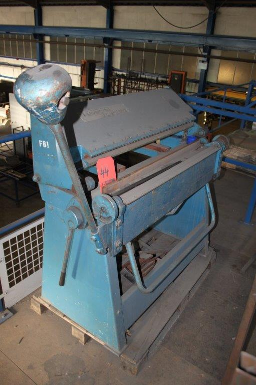Lot 44 - EDWARDS TRUE FOLD 600 1000MM BOX & PAN FOLDER