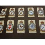 FOLDER OF VINTAGE CIGARETTE / TEA CARDS INCLUDING PLAYERS, DE RESZKE , ORIENTAL,