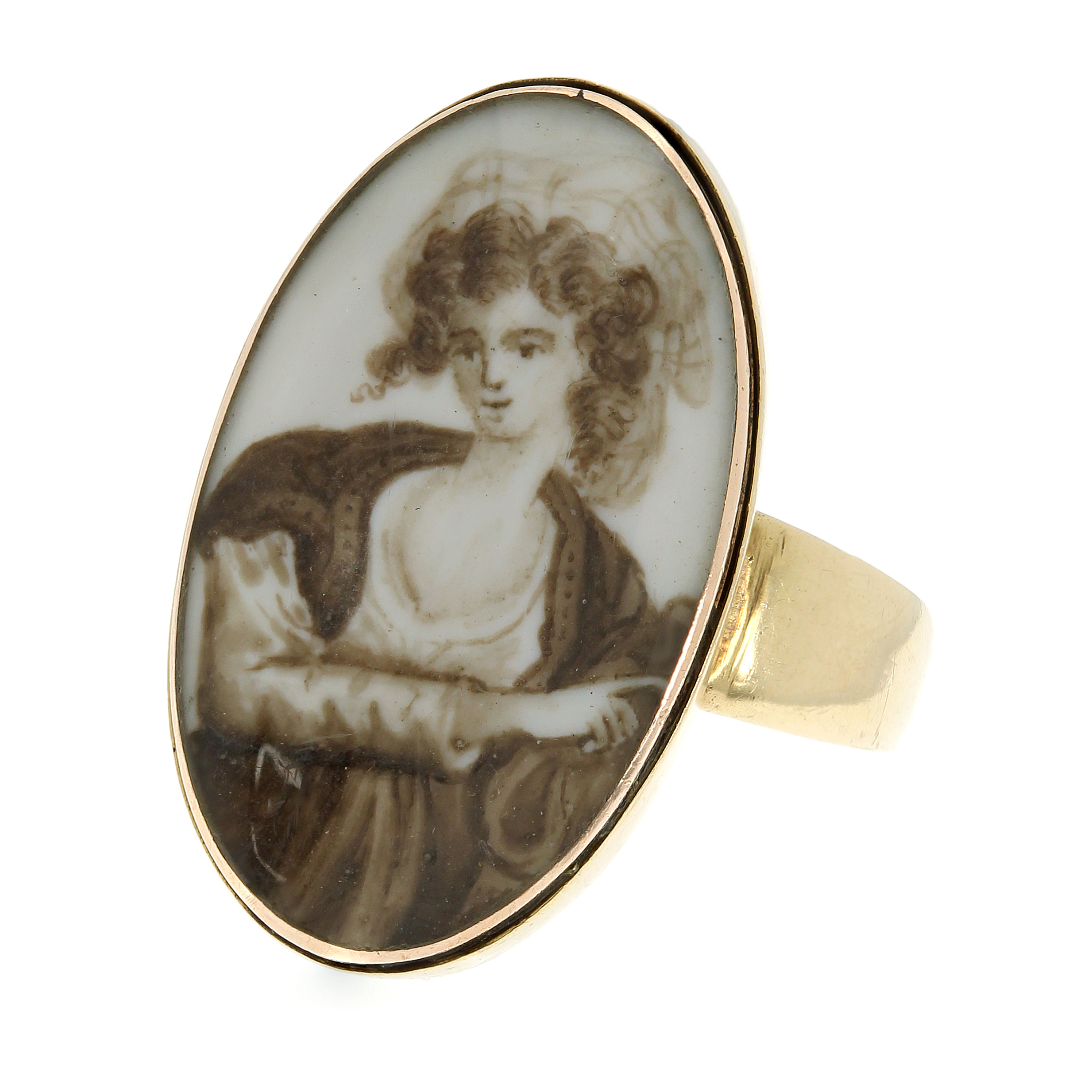 Los 47 - AN ANTIQUE PORTRAIT MINIATURE RING the oval face with an inset painted miniature depicting a lady,