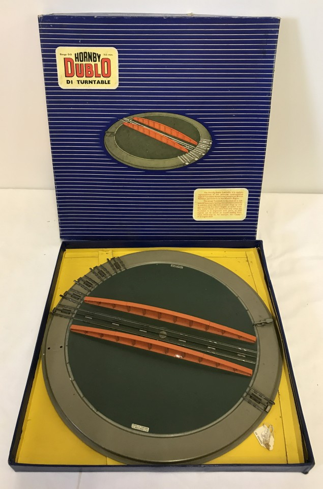 Lot 127 - Boxed Hornby Dublo D1 Turntable.