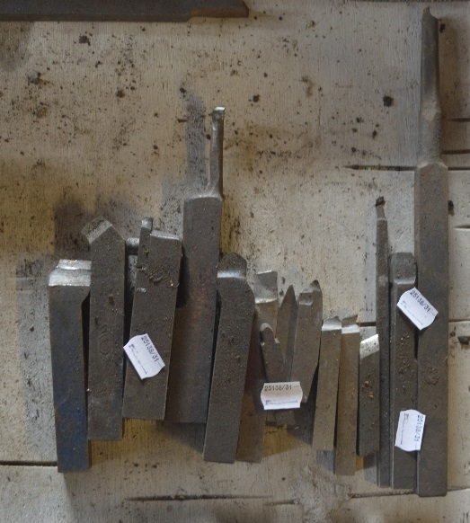 """Lot 31 - Various cutting tools, length of longest approx. 12 1/2""""."""