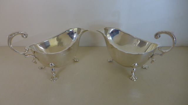 Lot 674 - A pair of silver sauce boats Birmingham 1932/33 maker CBRS - total weight approx 7.