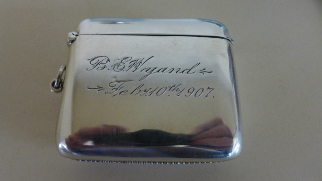 Lot 678 - A large silver vesta Birmingham 1905/06 - approx 6cm wide - approx weight 1.