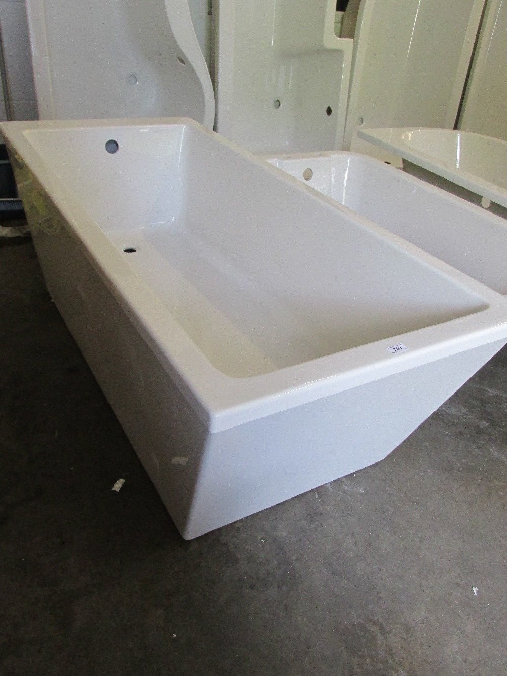 1700x750 single ended free standing bath with skirt rrp 1300 for Small baths 1300