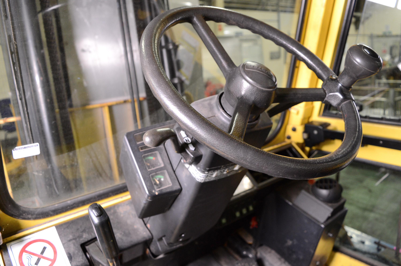 Lot 963 - Hyster 3.2 Tonne Closed Cabin Diesel Forklift.