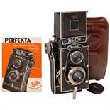 Welta Perfekta, 1934Welta-Kamera-Werke, Freital. Folding TLR 6x6cm camera with struts, film type