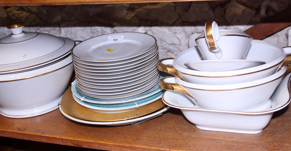 Lot 51 - A Continental porcelain part dinner service and a number of decorative plates, various