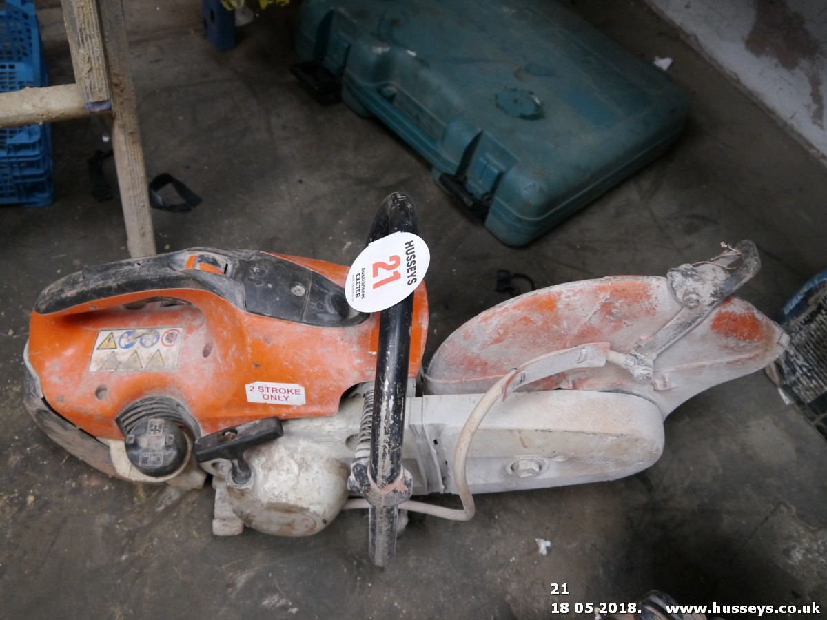 Lot 21 - STIHL DISC CUTTER