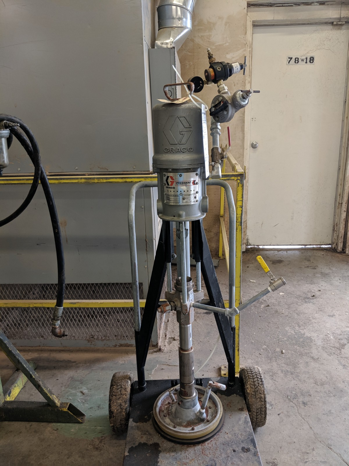 Lot 255 - Graco President Air Powered Pump