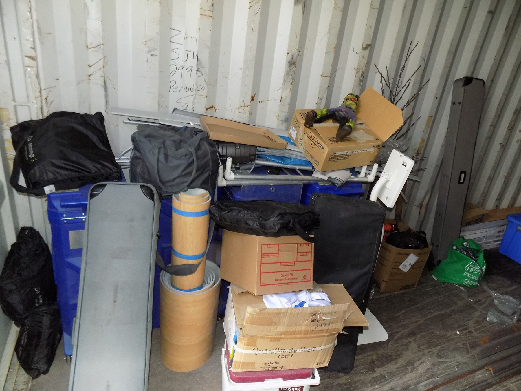 Lot 591 - LOT/ CIM 40' STORAGE SEA CONTAINER WITH CONTENTS