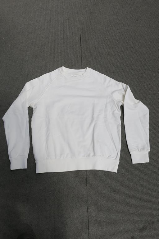 Lot 746 - 9 Other Ragian Sweatshirts Long Sleeved, Colour Ecru, 4 x XLarge, 1 x Small, 4 x XSmall