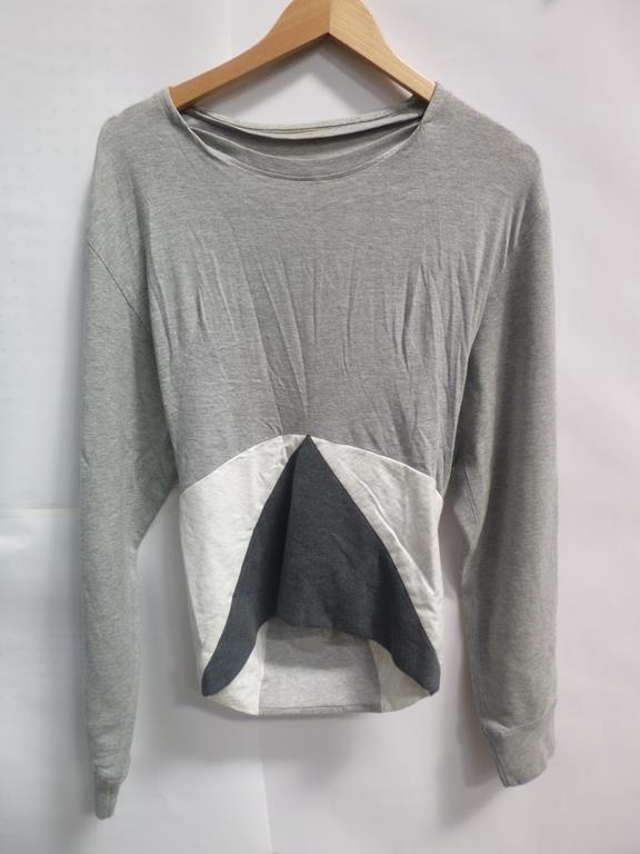 Lot 711 - A Patti Print Sleaveless Shirt (M), a Jersey Tube Skirt Joan Grey (L), a Grey and White Sweat Shirt