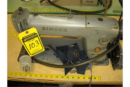 SINGER 4040 INDUSTRIAL SEWING MACHINE WITH SINGLE NEEDLE SN AN40 Magnificent Singer Sewing Machine 281 1