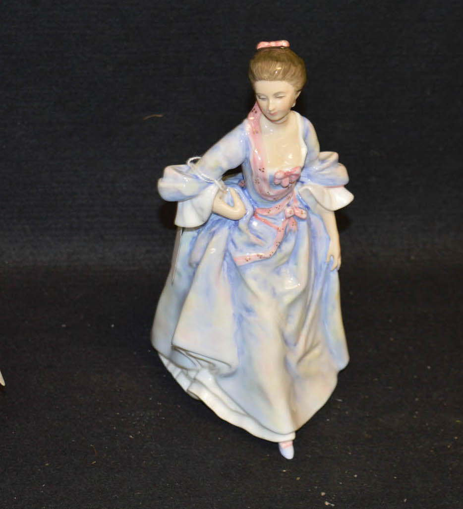 Lot 20 - A Royal Doulton Figurine 'Mrs Hugh Bonfay'