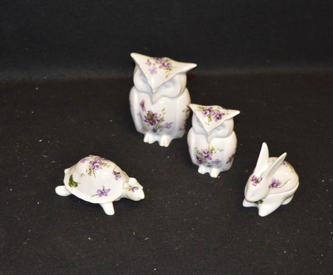 Lot 526 - A Lot of Hammersley Victorian Violets Animals and Two Trinket Boxes