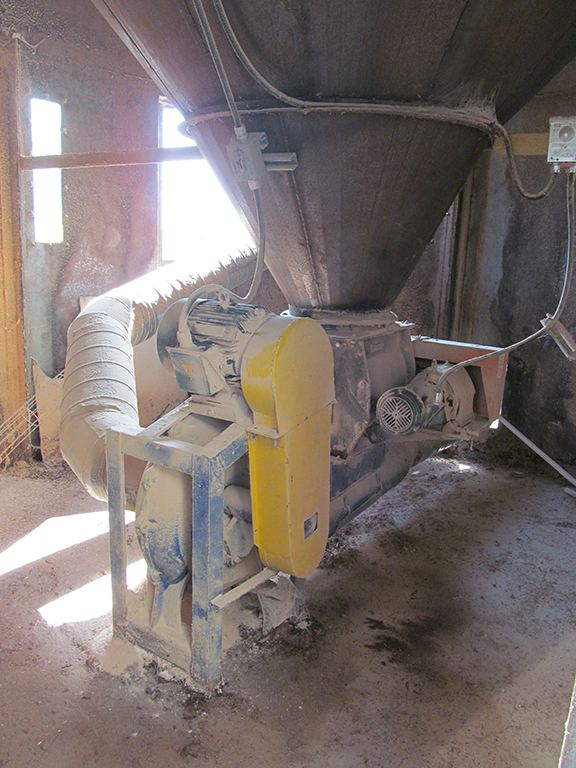 Heavy Duty Outdoor Dust Collector 75hp 50hp Model Rousseau Total Cfm 32 000 C W All Interior An