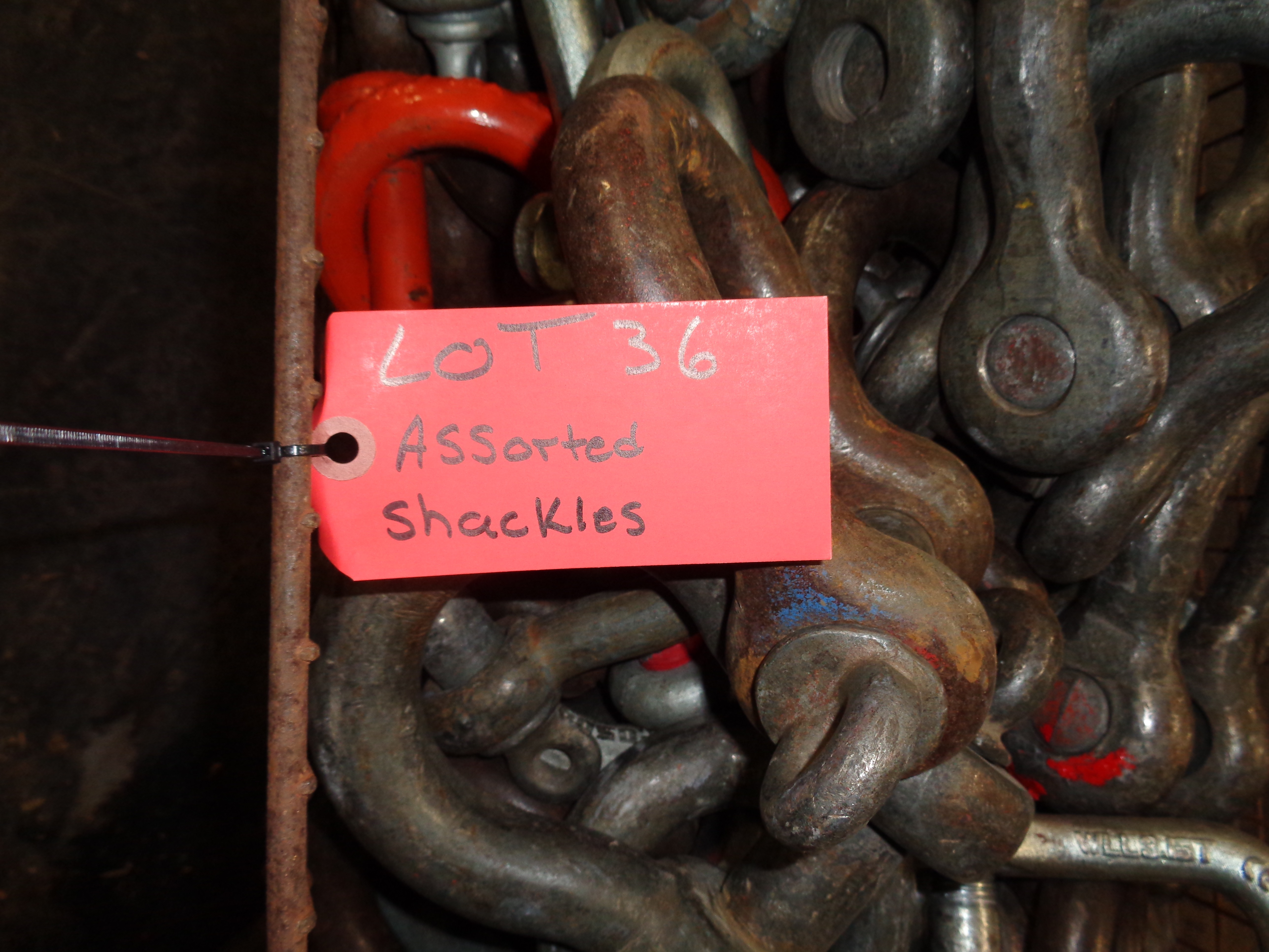 Wire Basket of Shackles Assortment - Image 3 of 3