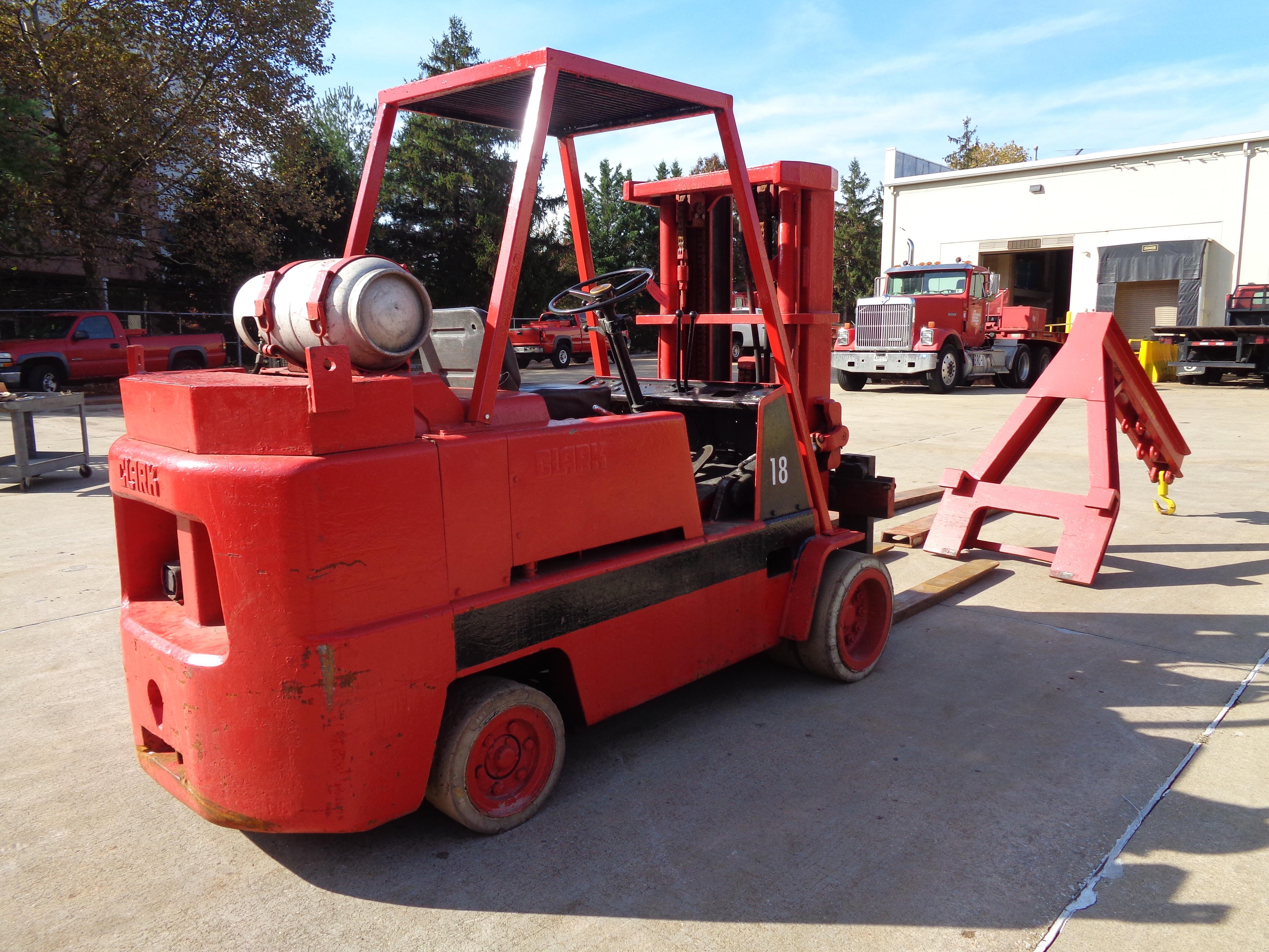 Clark C500-135 Forklift plus Boom- 14,000 lbs - Image 5 of 11