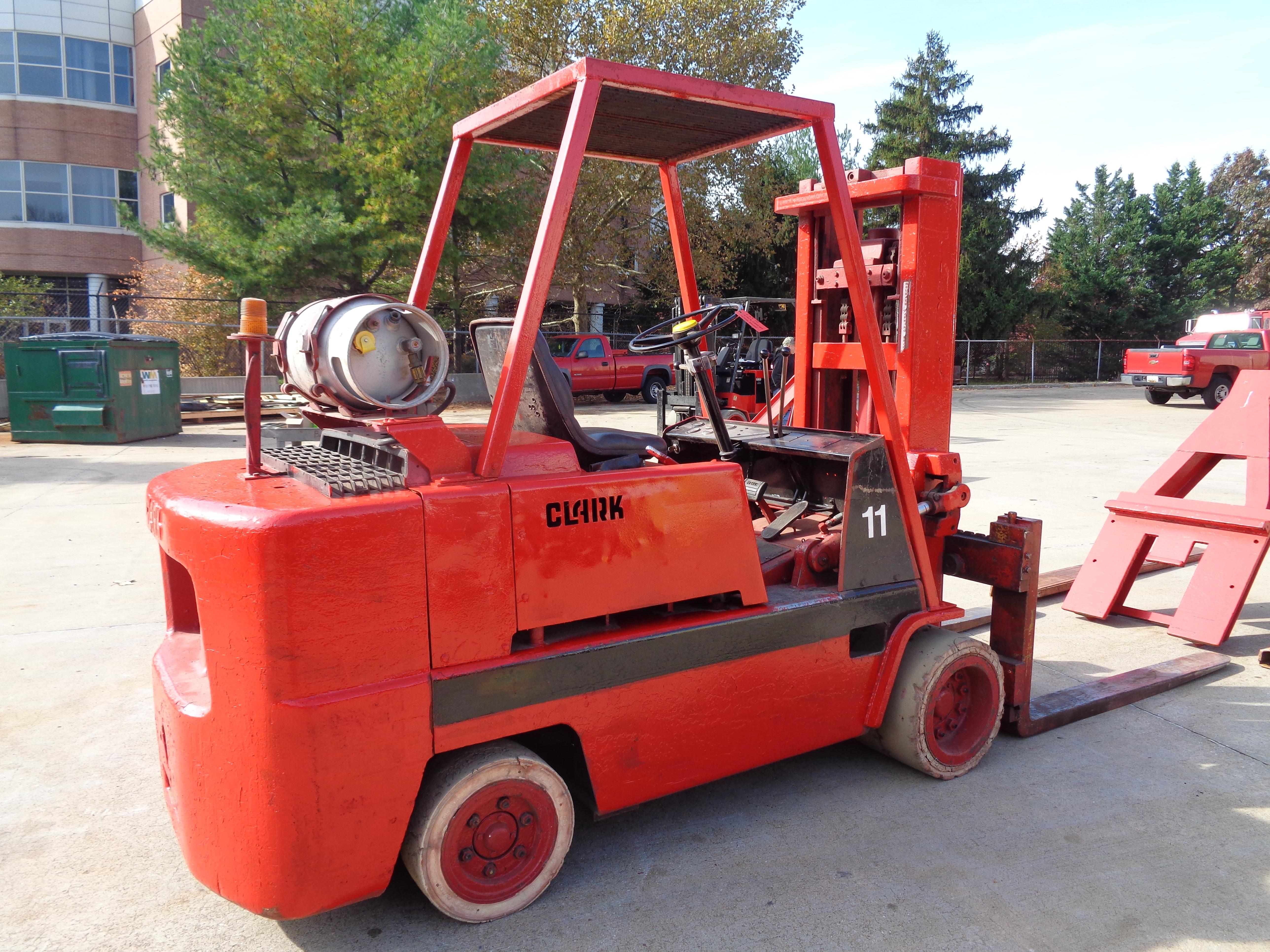 Clark C500-120 Forklift plus boom - 12,000 lbs - Image 5 of 11