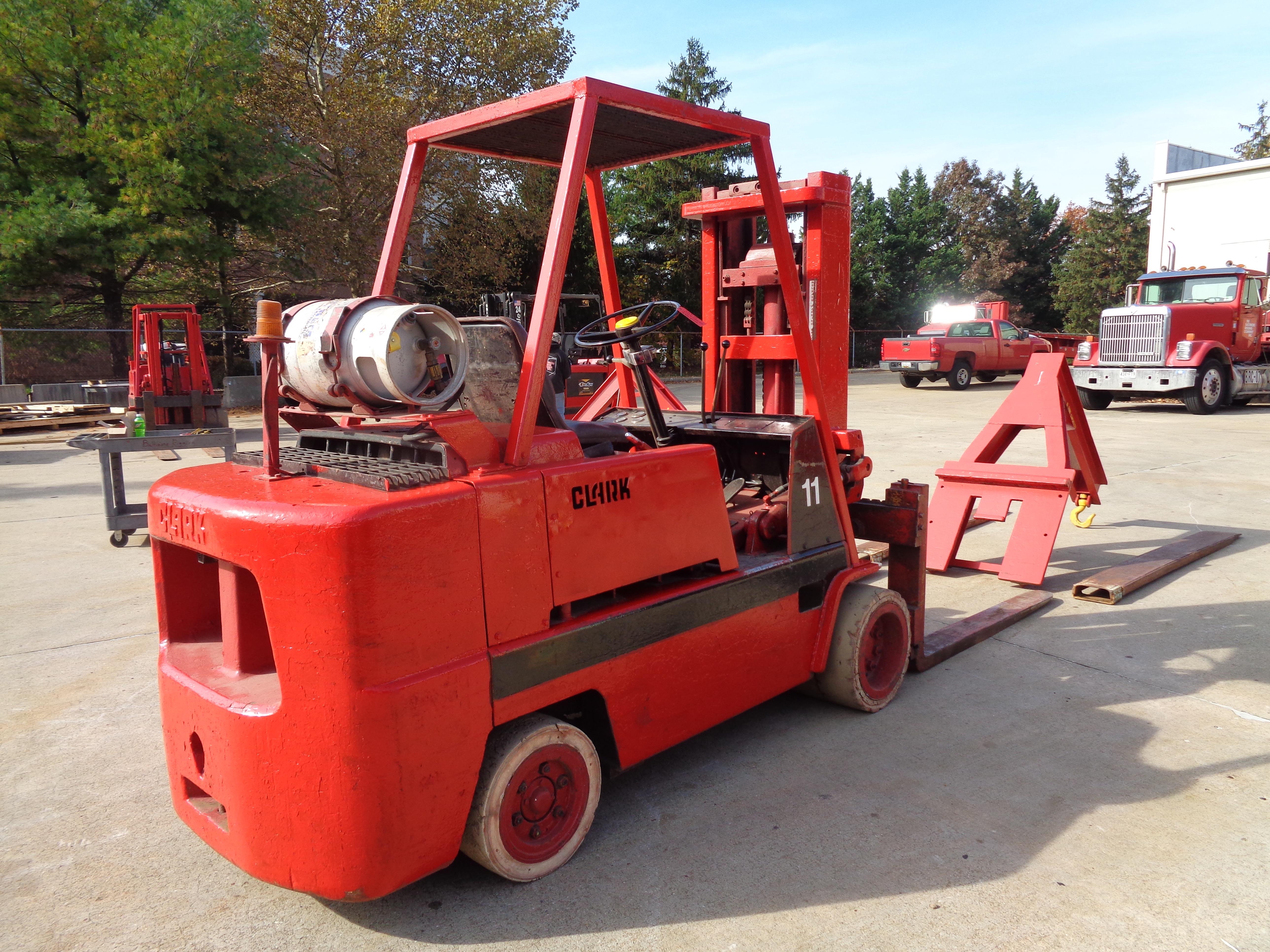 Clark C500-120 Forklift plus boom - 12,000 lbs - Image 4 of 11